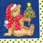 Mackó karácsonyfával Szalvéta
