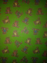 Kartonpapír - Mesevilág Maci mintás karton, Teddy mackók zöld háttérrel, 29,5x20cm, 1 lap