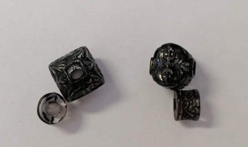 Fekete-átlátszó akril gyöngy kő